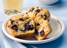 AllWhites and Better'n Eggs: Blueberry Oat Muffins Recipe I used real eggs and wheat flour for these. They are delish! Healthy Blueberry Recipes, Healthy Muffins, Healthy Baking, Healthy Recipes, Muffin Recipes, Brunch Recipes, Baking Recipes, Thm Recipes, Blueberry Oat Muffins