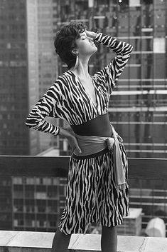 Diane von Fürstenberg, Dress, Spring/Summer 1983, Topics | The Red List Pantalon Large, Von Furstenberg, Classic Style, Wrap Dress, Spring Summer, Princess, American, Chic, Red