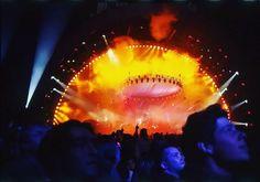 "133 curtidas, 1 comentários - David Gilmour Brasil (@david_gilmour_brasil) no Instagram: ""Pink Floyd Concert, Earls Court, London, 1994  #pinkfloyd #pinkfloydfan  #pinkfloydfans…"""