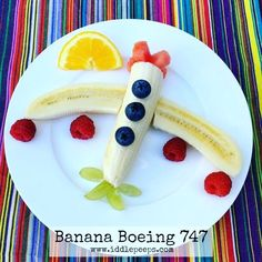 Banana Boeing Made in under 3 minutes & great for excitable little plane spotters. Banana Boeing Made in under 3 minutes & great for excitable litt Cute Snacks, Healthy Snacks For Kids, Cute Food, Good Food, Yummy Food, Party Snacks, Fruit Snacks, Healthy Food, Fruit Fruit