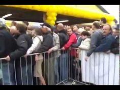 """Promocje na miarę """"czarnego piątku"""" w Ameryce :)) http://www.smiesznefilmy.net/szal-zakupow-w-biedronce #biedronka   #promocja   #event"""