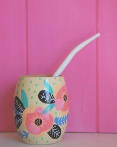 Hermoso Diseño de mates de  Kowos.deco #Mate #Argentino Painted Flower Pots, Painted Pots, Flora Vector, Diy Projects To Try, Craft Projects, Cactus Clipart, Diy And Crafts, Arts And Crafts, Arte Floral