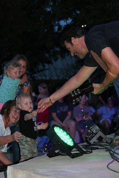 Country star Deryl Dodd closed the free Levitt AMP Denison Music Series last weekend (and found some new little fans)!