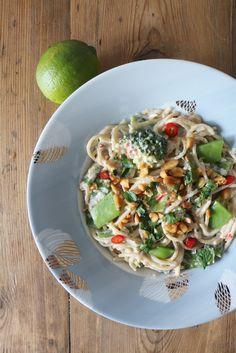 Spagetthi mit Kokos-Erdnuss-Sauce