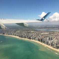 Presente especial dessa semana que passou: vários voos pela manhã sobrevoando diversos nasceres-do-sol no Nordeste. Essa vista linda aí embaixo é Recife #BelAoRedorDoBrasil #Gratidao by belpesce