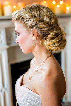 Afbeeldingsresultaat voor naturally curly hair updos wedding