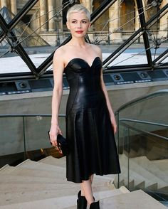 Michelle Williams looking super-chic at the @louisvuitton PFW show which was held inside the Louvre Museum!   via INSTYLE AUSTRALIA MAGAZINE OFFICIAL INSTAGRAM - Fashion Campaigns  Haute Couture  Advertising  Editorial Photography  Magazine Cover Designs  Supermodels  Runway Models