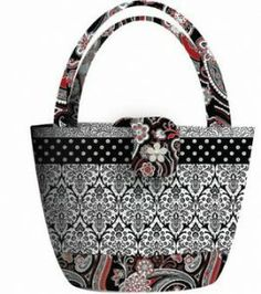 Black, White & Currant Bag – Free Sewing Pattern