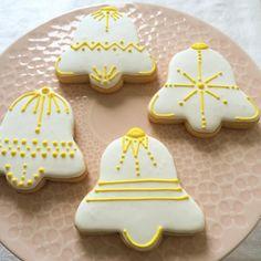 Christmas Biscuits, Christmas Sugar Cookies, Christmas Cupcakes, Gingerbread Cookies, Iced Sugar Cookies, Royal Icing Cookies, Cupcake Cookies, Christmas Cooking, Christmas Bells