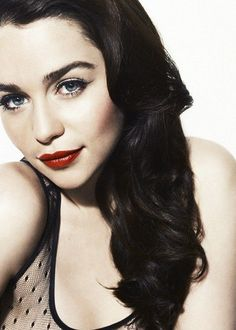 Emilia Clarke. Game Of Thrones. Mother Of Dragons.