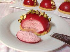 VÍKENDOVÉ PEČENÍ: Malinové mini dortíky