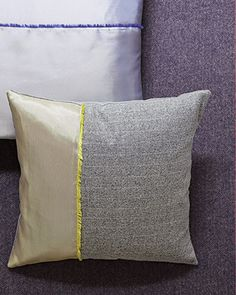 play with fabrics' texture contrast in this Two-Tone pillow. Perfect for those silk selvages that are too cool to hide! #tutorial