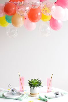 These balloons make any table so much better! http://asubtlerevelry.com/balloon-chandelier