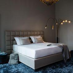Beitrag zur Geschichte des Boxspringbettes Furniture, Home Decor, Modern Bedroom, Mattress, Homes, Nice Asses, History, Products, Decoration Home