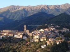 Workaway in . Volunteer at a campsite in a mountain village, Tuscany. Mountain Village, Campsite, Tuscany, Paris Skyline, Spaces, Travel, Camping, Viajes, Tuscany Italy