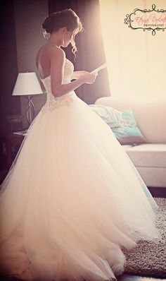 I want to write a letter to my husband his groom's man will give him in the dressing room.