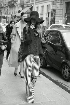 """Mettete un Mi Piace alla foto che preferite.  #Bellezza, #femminilità, #seduzione #dolcezza #fashion #glamour in Bianco e Nero da www.modaebellezzamag.it  """"Moda & Bellezza Magazine"""" è una realizzazione Dielle Web e Grafica - www.diellegrafica.it #diellegrafica    Credits e Copyright riservati ai legittimi proprietari."""