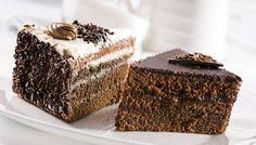 Per la preparazione di questo dolce tipico della provincia di Ferrara prendete 150 grammi di burro e fatelo sciogliere insieme a 300 grammi di cioccolato f