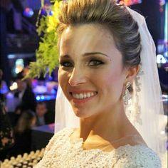Nossa linda noiva Diane Coutinho brilhou com os brincos de cristal #mairabumachar #felicidades #noivasmb #noivas #bride