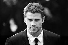Black and white, my perfect gentleman ! #Liamhemsworth