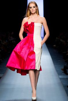 "Art meets fashion: ""Half Half"" dress design at Jean Paul Gaultier Spring Summer 2015 Haute Couture Paris Fashion Week PFW. Style Couture, Couture Fashion, Runway Fashion, Paris Fashion, Fashion Week, High Fashion, Fashion Show, Fashion Design, Fashion 2015"