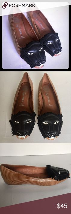 JEFFREY CAMPBELL LEON FLATS w/Lion Tip - sz. 7.5 These Jeffrey Campbell Leon Flats are gently used with minimal signs of wear as seen in the photos.  The lion head on the top of the shoe makes this shoe extremely fascinating and fun.  Perfect for any occasion.  So. 7.5 Jeffrey Campbell Shoes Flats & Loafers