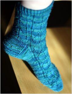 free pattern - knit socks