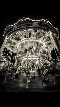 The night circus carousel. Black and white photography can be quite interesting Night Photography, Street Photography, Art Photography, Vintage Photography, Photos Originales, Night Circus, Carousel Horses, Wonderful Picture, Foto Art