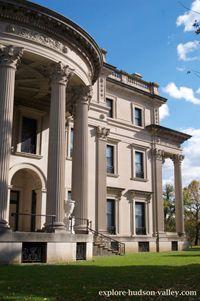 Vanderbilt Mansion Gilded Age, Hudson Valley, Mansions, House Styles, Villas, Palaces, Mansion, Mansion Houses