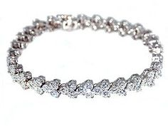 A beautiful #diamond #tennis #bracelet.