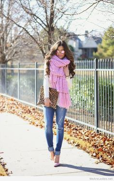 Fashion look idea, I love the light pink scarf