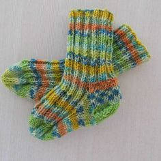 handknitted baby socks 0-3 month socks babysock by NaRoKnitSocks