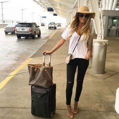 "Hollie Woodward on Instagram: ""INDY ➡️ ATL ✈️✌️ @liketoknow.it www.liketk.it/2eqBu #liketkit #ootd #worktrip"""