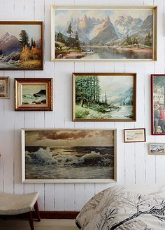 THIS is exactly what I had in mind for grandmas paintings, on that big wall :)
