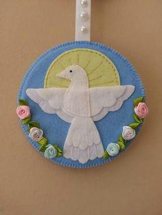Cd Crafts, Handmade Crafts, Diy And Crafts, First Communion Decorations, Felt Crafts Patterns, Catholic Crafts, Felt Ornaments, Christmas Ornaments, Christian Crafts