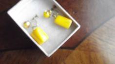Sunflower Yellow Bakelite Earrings of the 1930s or 1940s