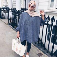 Pin by summer child on my go to style! Modern Hijab Fashion, Hijab Fashion Inspiration, Islamic Fashion, Muslim Fashion, Modest Fashion, Fashion Outfits, Modest Wear, Modest Dresses, Modest Outfits