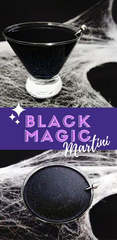 Black magic cocktail Black Magic Cocktail A Black Magic Halloween cocktail with black glitter for a galaxy drink made that looks sinister but taste like a lime martini or lime daiquiri. With DIY for black vodka. Halloween Desserts, Halloween Cupcakes, Halloween Drinks, Halloween Fun, Halloween Shots, Holiday Drinks, Starbucks, Daiquiri, Slushies