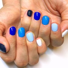 Blue Whole-Hand Gradient Nails Over 30 Spicy Ombre Nails Transitions To T farbverlauf Blue Ombre Nails, Purple Acrylic Nails, Gradient Nails, Rainbow Nails, Galaxy Nails, Coffen Nails, Uv Gel Nails, Hair And Nails, Diy Nails