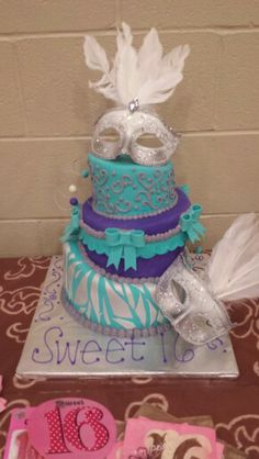 Instead of these colors have zebra, pink, white, and black. Masquerade Cakes, Masquerade Ball Party, Sweet 16 Masquerade, Masquerade Theme, Sweet 16 Cakes, Cute Cakes, Sweet 16 Birthday Cake, 16th Birthday, Beautiful Cakes