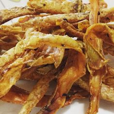 Dónde Está Mi Pan: CASCARA DE PAPAS, CRISPÍ Canapes, Onion Rings, Snack, Tapas, Bacon, Breakfast, Ethnic Recipes, Gluten, Food