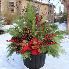 christmas decor christmas arrangements christmas time diy christmas urns christmas garden decorations - How To Decorate Urns For Christmas