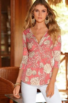 Ulyssia - FREE Top Pattern and Style Ideas