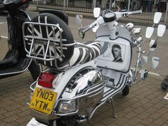 Cool mod scooter.