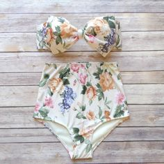 Cute Bow Bikini - Vintage Style High Waisted Pin-up Swimwear - Amazing English Country Garden Floral Print on Etsy, 36,81 €