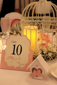 The whole paper craft wedding table.