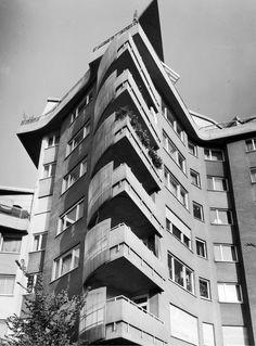 Hans Scharouns erstes Großprojekt nach dem Zweiten Weltkrieg stellt nach wie vor die städtebauliche und identitätsstiftende Dominante des Nachkriegsstadteils Stuttgart-Rot dar.