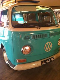 M Bar at Martinhal.hang loose with the kids! Volkswagen Bus, Vw Camper, Campers, Vw Cars, Cars And Motorcycles, Vintage Cars, Bar, Future, Kids