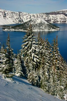 Crater Lake National Park, Oregon. USA.