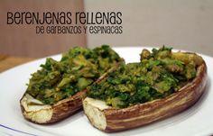Berenjenas rellenas de garbanzos y espinacas Ingredientes:  – 1 berenjena  – 170 gr de garbanzos  – 100 gr de espinacas  – 2 dientes de ajo  – 1 cebolla  – 1 cucharada de tomate natural (opcional)  – Aceite de oliva